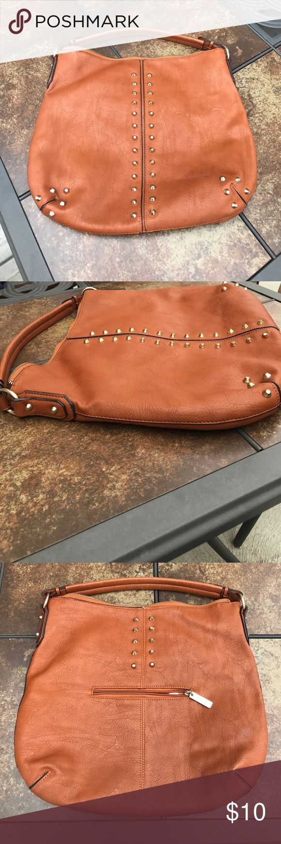 🔺 oversized shoulder bag 🔺 Pre-loved tan faux leather studded bag! Slight blemishes (inside of bag) from use, all zippers work great, no missing studs. Great sized bag, you can fit a good amount inside. Brand unknown, tj max find last summer🤗 Bags Shoulder Bags