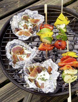 Gemüsespiesse mit Ziegenkäse-Päckchen - Vegetarisch grillen.