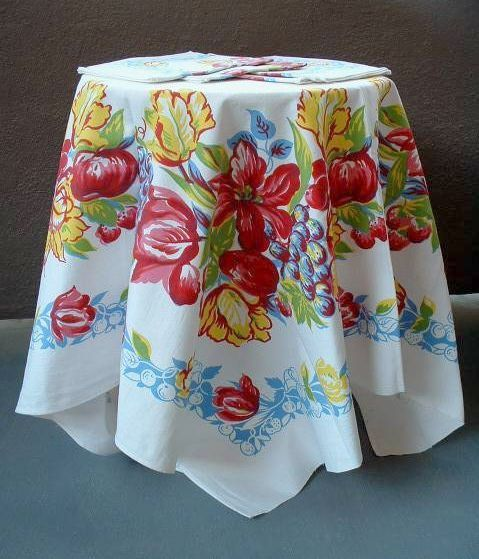 COLORFUL Vintage Kitchen TABLECLOTH Matching NAPKINS Fruit & Flowers Design c.1940's!