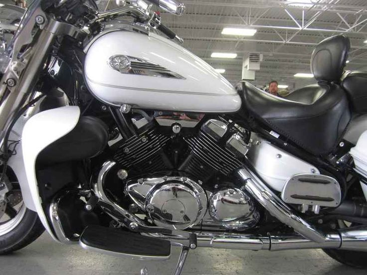 Used 2006 Yamaha Royal Star Tour Deluxe Motorcycles For Sale in Illinois,IL. 2006 Yamaha Royal Star Tour Deluxe, Quick-detachable windshield and backrest let the rider optimize the bike for cross-town cruising cool or cross-country touring comfort quickly without tools. Electronic cruise control with right handlebar controls for ease of use. Color-matched locking hard-shell, leather sidebags with handy, one-touch openers and spacious 9.3-gallon storage with interior storage pouch.