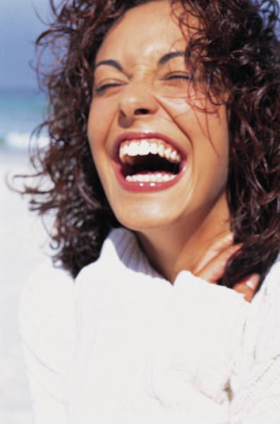 """Hoy veremos expresiones en inglés-español para poder expresar alegría en inglés. Ya toca dejar de usar el típico: """"I'm very happy"""" (correcto pero aburrido)."""