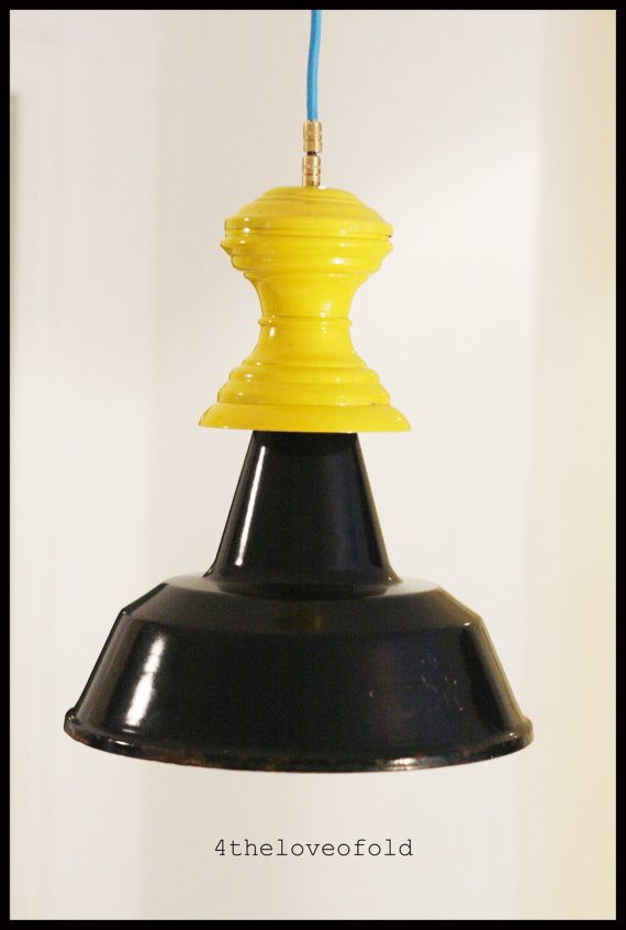 Lampada Industriale bicolore.Industrial bicolor lamp.