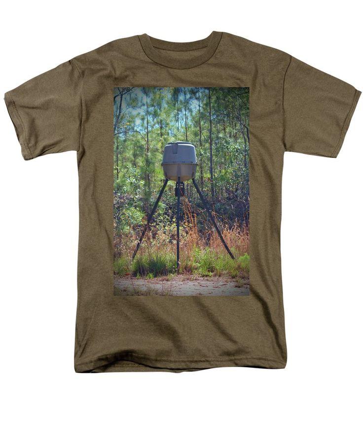 Deer Men's T-Shirt (Regular Fit) featuring the photograph Deer Feeder by Cynthia Guinn