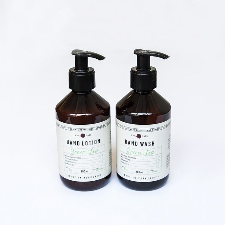 Lovely green tea, scented hand wash and hand cream gift set. In old fashioned looking bottles from Yorkshire makers Fkkerts. The hand wash is formulated with bergamot oil to cleanse and hydrate and the lotion with shea butter and almond oil protects and nourishes hardworking hands. Each bottle is 300ml and makes a lovely set either to keep or give as a gift.