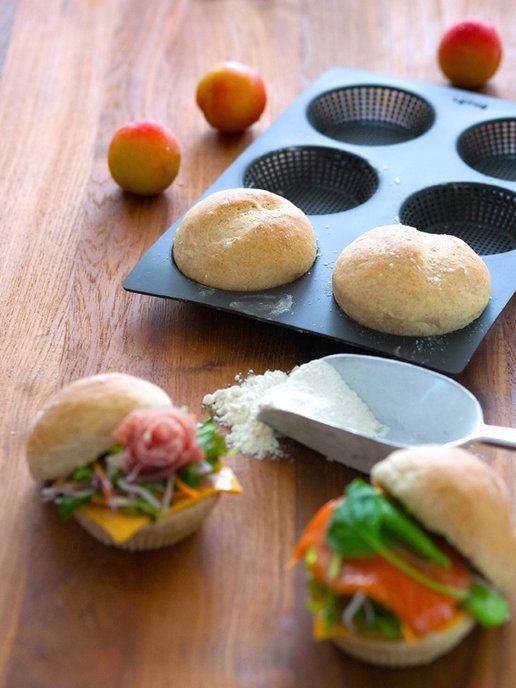 【ELLE】「ルクエ」の「ブレッドロール」|サンドイッチをワンランクアップする、すぐれものツール|エル・オンライン