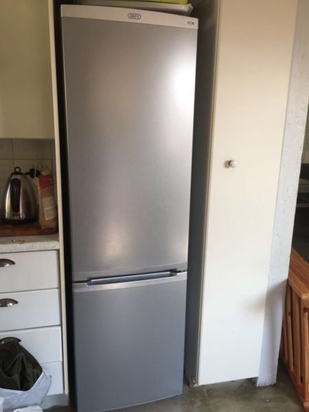 DEFY DOUBLE DOOR FRIDGE/FREEZER FOR SALETHE FRIDGE IS IN A EXCELLENT WORKING ORDER. THE FRIDGE HAS ALL THE GLASS SHELVES. WE CAN DELIVER THE FRIDGE IN ANY AREAS  FOR A DELIVERY FEE. YOU CAN PHONE OR WHATSAPP ME ON 0834266417