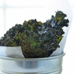 From a kale chip convert! Spicy Sriracha & Lime Kale Chips - Betcha ...