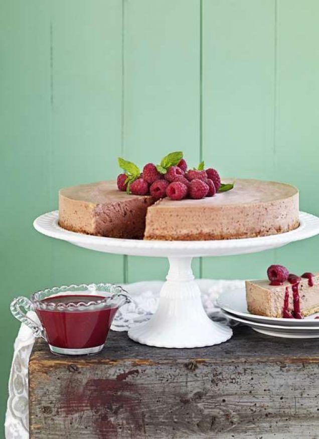 """Ett läsarrecept från EMMA SUNDSTRÖM: """"Den här kakan är enkel, men ack så god som efterrätt. Den är otroligt lätt att göra och mycket uppskattad av de flesta."""""""