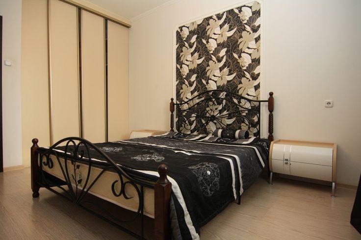 Предлагаем для долгосрочной аренды в Ставрополе  3 - комнатная квартира по адресу Бруснева9б,, ремонт современный,встроенная кухня, шкаф-купе, 2-х спальная кровать, мягкая мебель, общей площадью 90 кв.м, дом Новый кирпич, Индивидуальное отопление, Газ-плита, наличие бытовой техники - стиральная машина (+), холодильник (+), телевизор (+),парковка стихийная, номер объявления - 30456, агентствонедвижимости Апельсин. Услуги агента только по факту заключения договора.Фотографии…