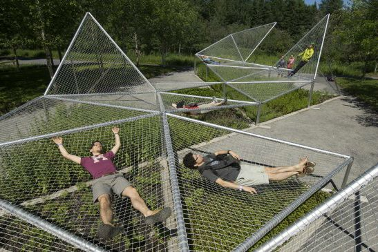 Designed by Jane Hutton & Adrian Blackwell, Dymaxion Sleep (curled up) was exhibited in Metis Garden Festival between 2009-2011.