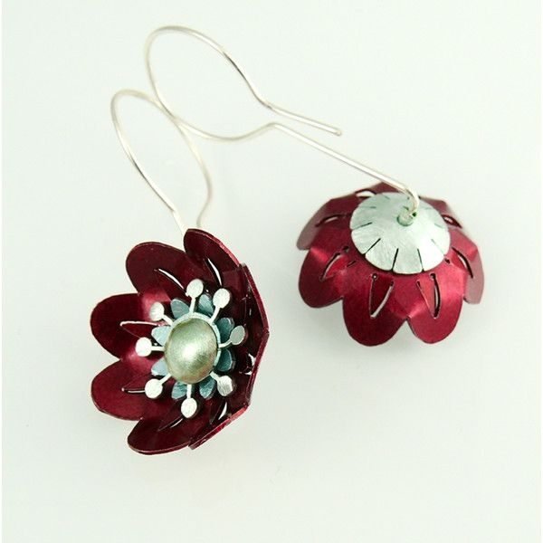 Red Poppies SILVER ALUMINIUM EARRINGS Jewellery Online Store Silver... (3.735 RUB) ❤ liked on Polyvore featuring jewelry, earrings, red flower earrings, silver jewellery, flower jewellery, silver flower jewelry and poppy jewellery