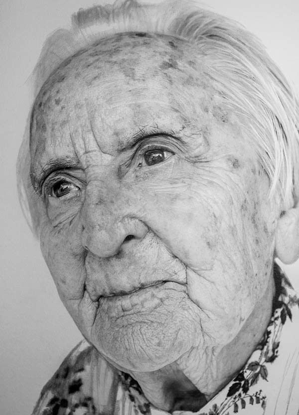 Paul Cadden's Hyper Realistic Drawings Look Exactly Like Photographs