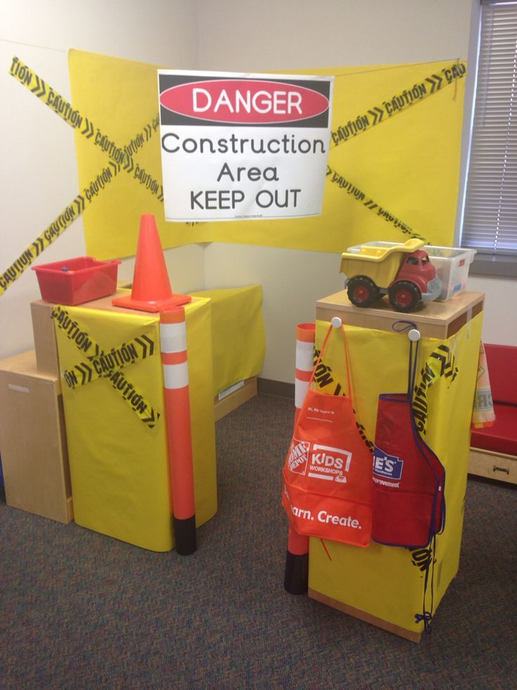 Construction theme pretend and learn *just links to the image, but a cute setup --Denise