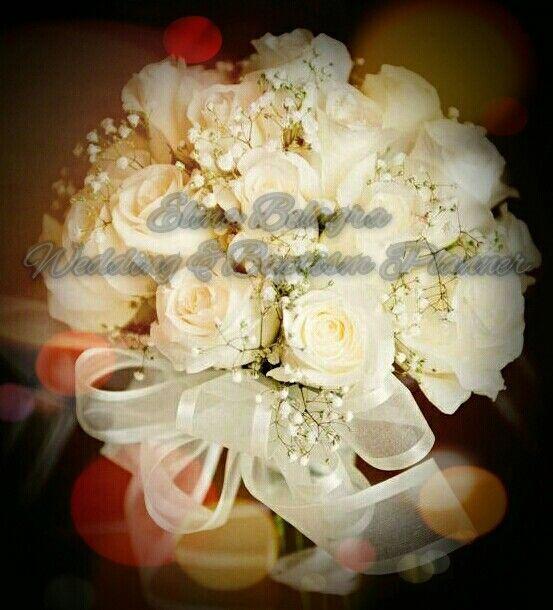 apla k kataniktika  #weddingbouquet #weddingflowers #weddingplanner www.elinabelagra.gr pin : @elenibelagra