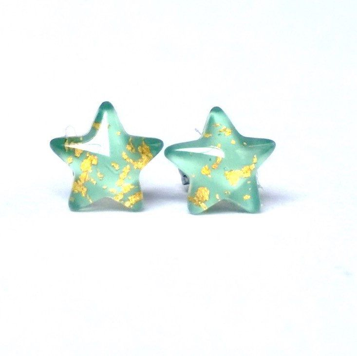 Now they come in mint and gold! Message us to create your custom coloured pair of star stud earrings today ✨⭐️