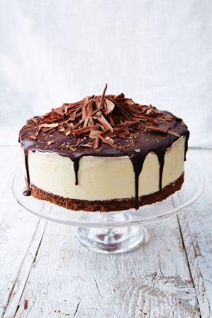 Black forest frozen cheesecake