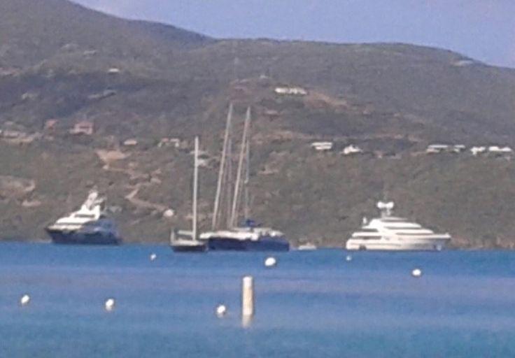 A yacht belonging to Robert Mercer, a big backer of Breitbart News, was seen near one belonging to Dmitry Rybolovlev.