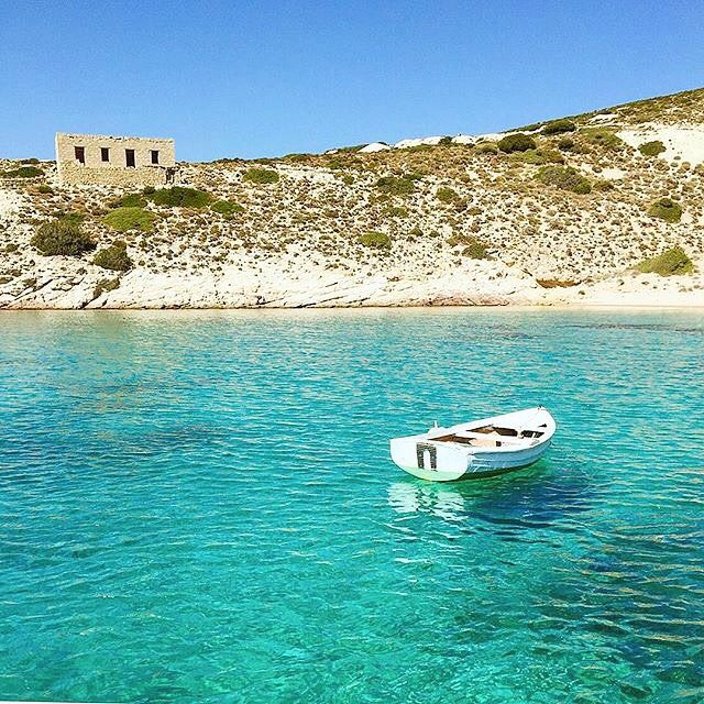 Gorgeous color of the sea , at Polyaigos island (Πολύαιγος) . A wonderful island with a lot of secret beaches to discover and it's only accessible by boat ❤️.