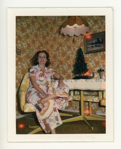 VINTAGE POLAROID PHOTO SNAPSHOT TECHNICOLOR PUCCI DRESS STYLE - WALLPAPER