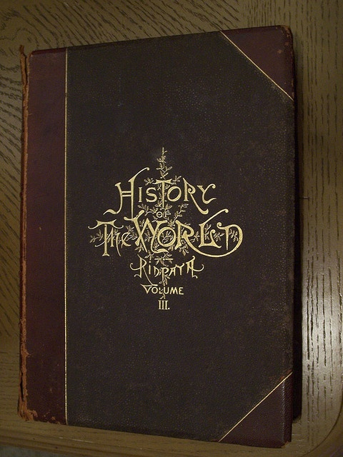 A world history book by Ridpath published in 1885. I was psyched to find this in the bargain bin of our local 1/2 Price Books store! Imagine how excited some long ago kid must have been when he opened up a Christmas present to find this glorious gild http://soloha.vn/tham-trai-san-bi.html