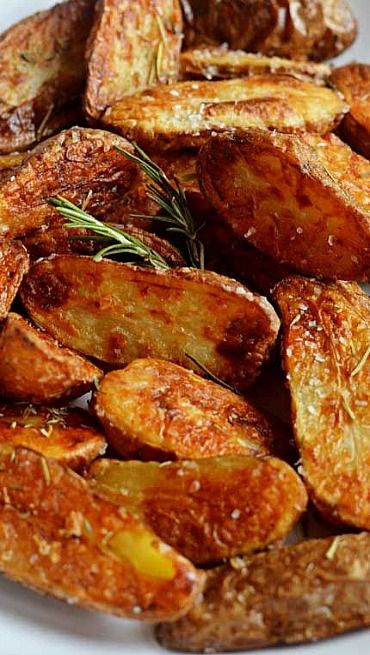 Crispy Sea Salt and Vinegar Roasted Potatoes