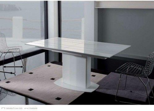 Mesa comedor moderna lacada en blanco.