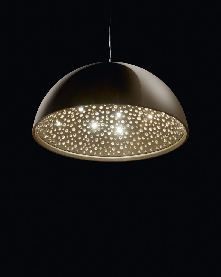 CIEL crystal chandelier. Inspired by the sparkling desert nightsky. Your Personal Universe with sparkling Swarovski stars. #Manooi #Chandelier #CrystalChandelier #Design #Lighting #Ciel #luxury #furniture