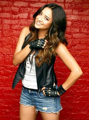 """( 2018 ★ CELEBRITY BIRTHDAY ★ SHAY MITCHELL...IN BLUE JEANS WITH HOLES ) ★ Shannon Ashley Mitchell - Friday, April 10, 1987 - 5' 7½"""" 125 lbs (+ -) 34-24-34 - Mississauga,Toronto, Ontario, Canada."""