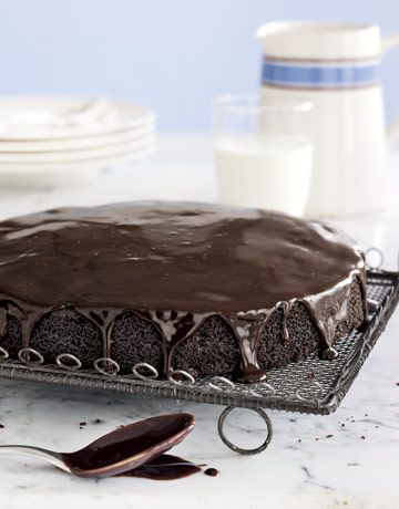 We would love to eat this single-layer #cake  with a big glass of milk! #desserts #recipe