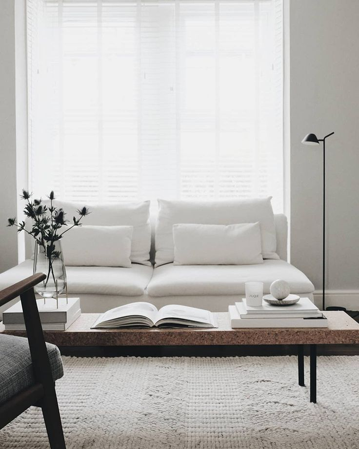 Skandinavisches Wohnzimmer. Foto von Charlotte King von Le Petit Fika