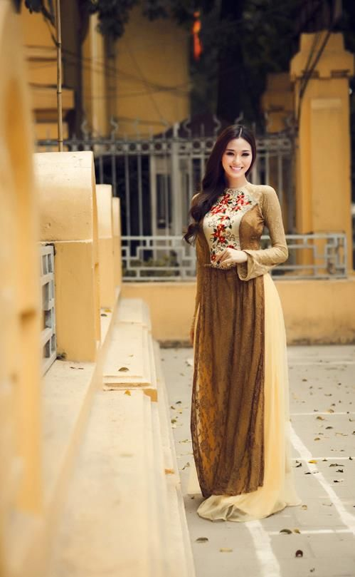"Traditional Vietnamese Dress ""Ao Dai"""