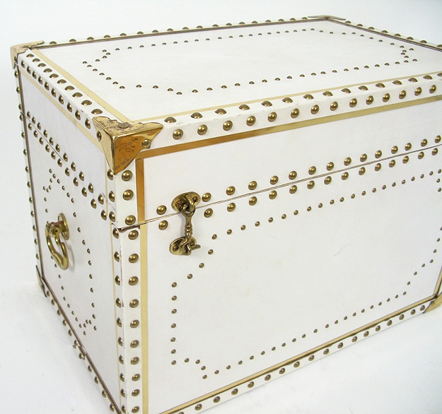 white leather studded trunkDecor, Dreams, Studs Trunks, Living Room, Leather Studs, Gold Trunks, White Leather, Gold Accent, Luggage Studs