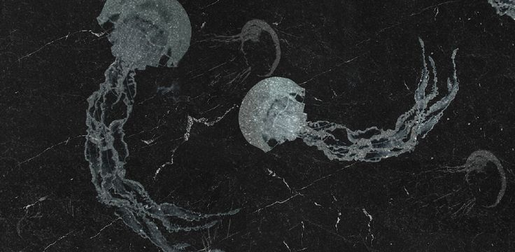 The jellyfish's lines were integrated in this art panel to provide a sensorial experience of freshness directly into a basic printing composition of black marble.