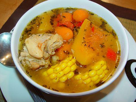 Eén van de meeste bekende gerechten uit bijna elke keuken is kippensoep. Ook op de Antillen wordt dit gerecht graag gegeten.
