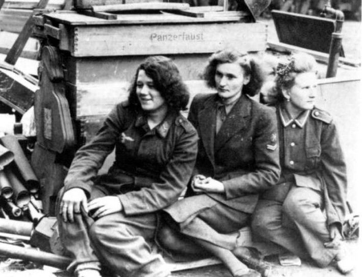 women and world war ii essay Women's studies, women's history, feminism, women's participation in world war i and ii the soviet #me too marina raskova, nadia popova, katya ryabova, maria smirnova, dina nikulina and the other half million women fought against the nazi regime in the ww2.