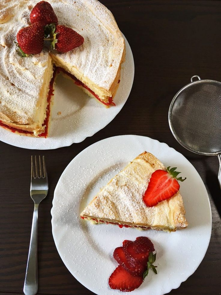 Delicious sponge cake and crunchy meringue combination. This cake is best made with fresh fruits such as strawberries, cherries or kiwi.