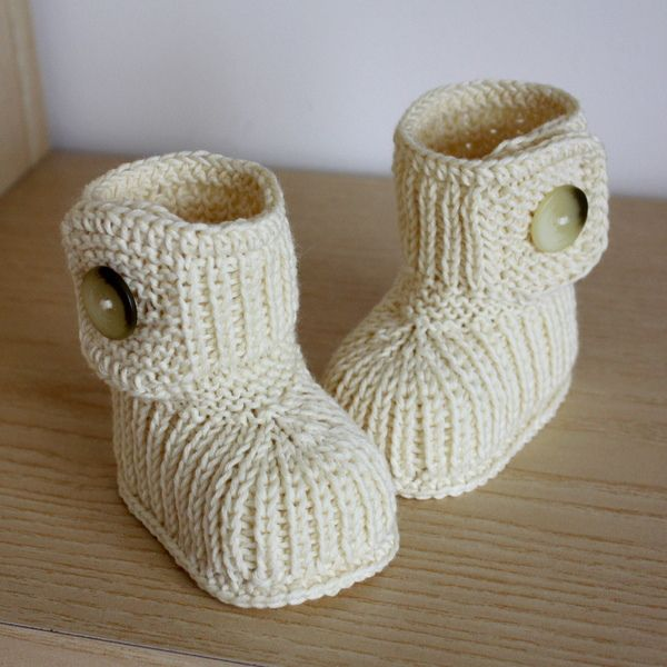 cutest baby boots ever! - knitted