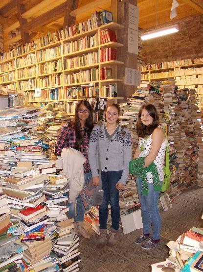 Die Bücherscheune neben der Katlenburg - die sog. Bücherburg http://www.buecherburg.de/index.html