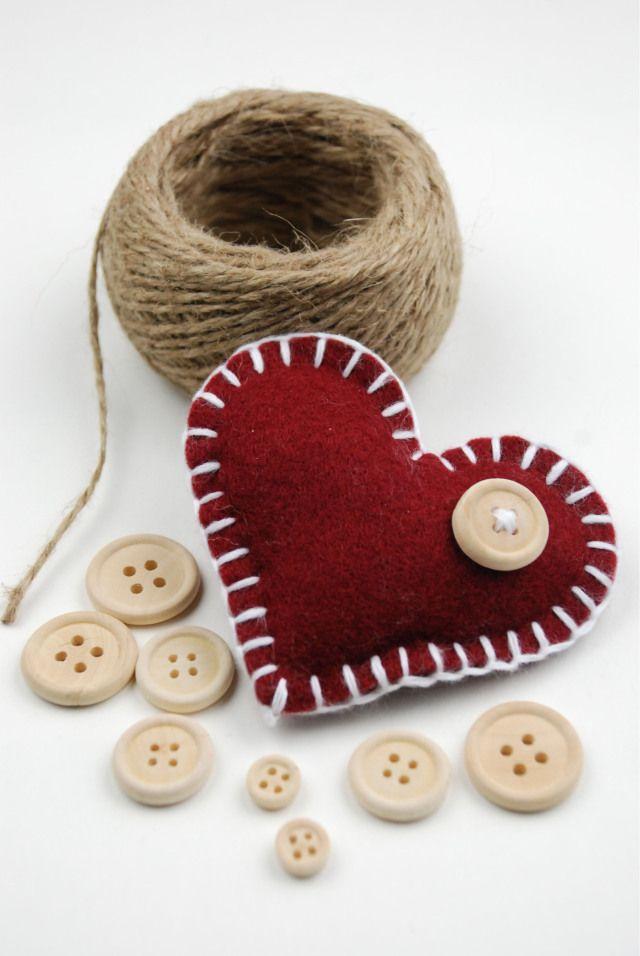 DIY – Ein Herz aus Filz mit ganz viel Liebe! Anleitung und Bilder.  http://barfussimnovember.com