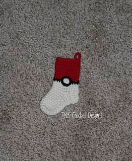 Pokebal / Pokemon mini stocking crochet pattern. Christmas stocking