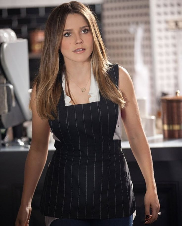 Best 25+ Sophia bush hairstyles ideas on Pinterest