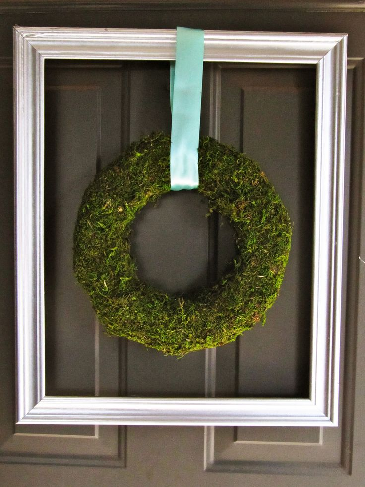 Moss Wreath Tutorial... So simple! I am going to do this one for sure.