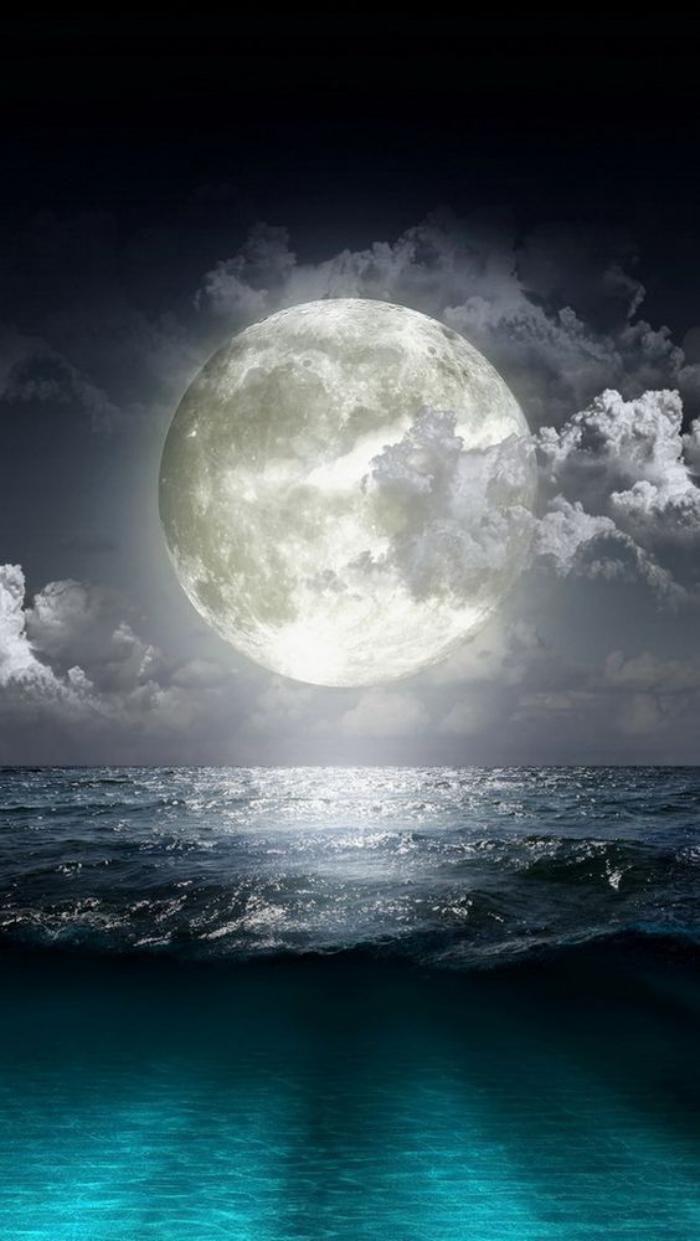 la pleine lune, les marées des océans lors de la pleine lune