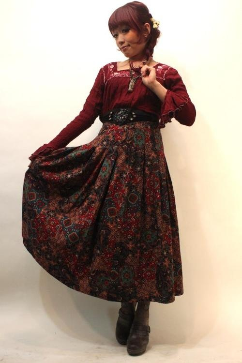 love the color and pattern on the skirt Dolly Kei - Heri of Grimoire