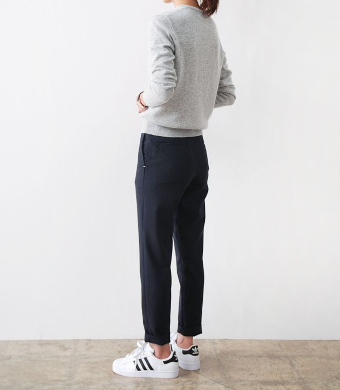 grey sweater + cropped black pants + white sneakers | minimal + chic