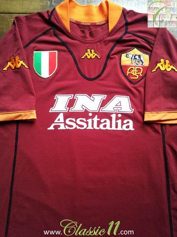 Relive Roma's 2001/2002 season with this vintage Kappa home long sleeve football shirt.