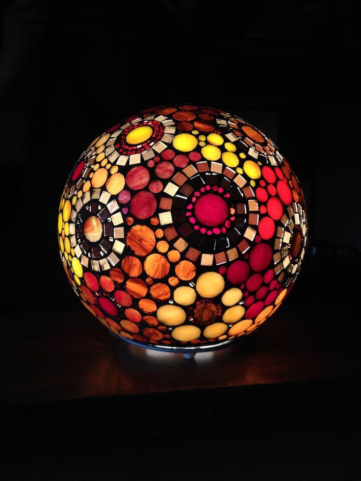vendue ethnique et color e lampe boule en mosa que vitrail. Black Bedroom Furniture Sets. Home Design Ideas