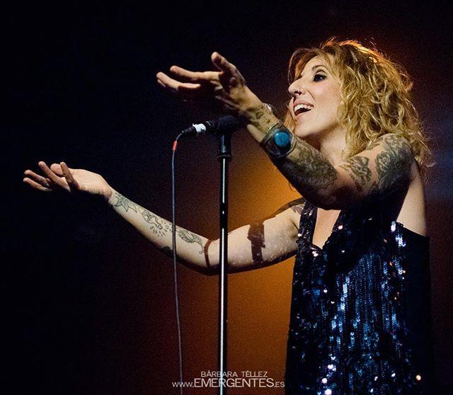 Reposting @emergentes_es: #ConciertosRecomendados! Esta noche @pablogalianoh y #LauraRubio estarán dándolotodo  en @palermo.bar. No te lo pierdas!⠀ ⠀ Toda la info del concierto: www.emergentes.es/agenda⠀ ⠀ Disparo: @bbemergentes, concierto de #GarajeJack en @salacaracol. May15. - http://emergentes.es/garaje-jack-se-lleva-el-sabor-a-sal-en-su-despedida/?utm_campaign=crowdfire&utm_content=crowdfire&utm_medium=social&utm_source=pinterest ___________________________⠀ #musicphotography…