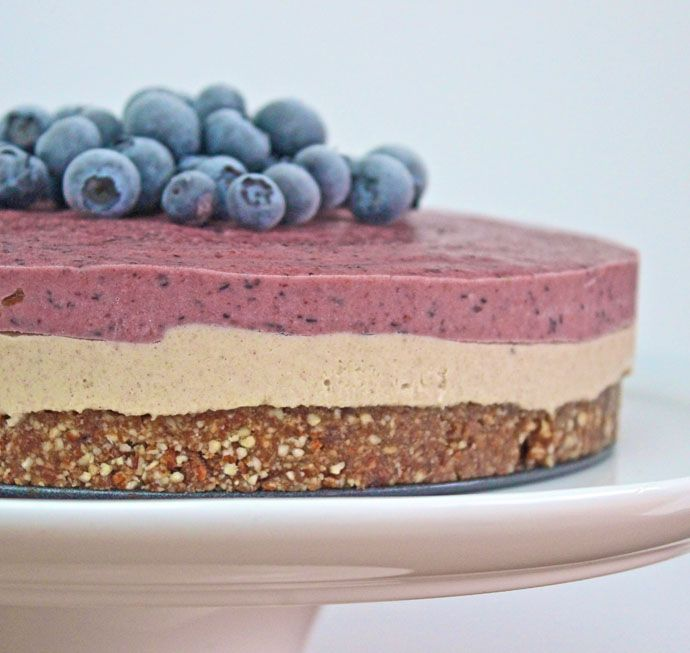 Raw Blueberry Cheesecake Recipe Desserts with cashew nuts, bananas, maple syrup, apple juice, cinnamon, frozen blueberries, strawberries, frozen banana, medjool date, maple syrup, cinnamon