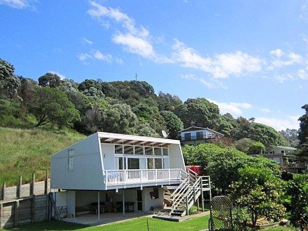 Bay of Plenty /Bay Of Plenty/Opotiki holiday home rental accommodation - The Bach - Ohiwa Beach Bach